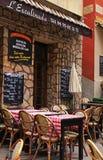 室外法国传统咖啡馆在尼斯老镇  图库摄影