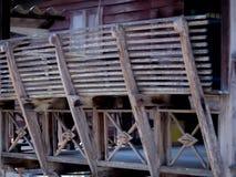 室外泰国老阳台的木头 免版税库存照片