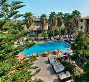室外游泳池在一家旅馆在度假村 库存照片