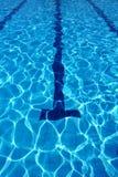 室外游泳池车道 免版税库存照片