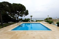室外游泳池 免版税库存照片