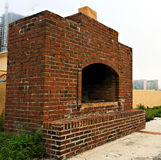 室外的壁炉 免版税库存照片
