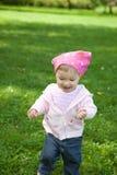 室外的女婴 免版税图库摄影