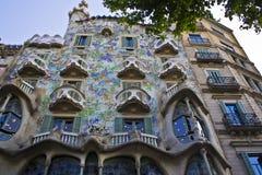 室外看法Gaudi ` s房子住处Batlo 库存图片