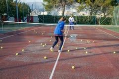 室外网球的学校 库存图片