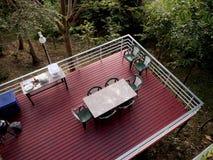 室外阳台甲板-葡萄酒过滤器 免版税图库摄影