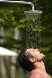 室外阵雨 免版税库存图片