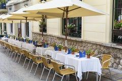 室外餐馆在巴塞罗那 免版税库存照片