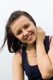 室外年轻深色的女孩画象  免版税库存照片
