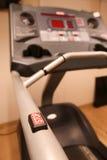 室用健身房设备在体育俱乐部、体育俱乐部健身房、健康和休息室 库存图片