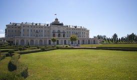 宫殿和公园合奏康斯坦丁宫殿 免版税图库摄影