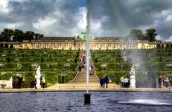 宫殿和庭院在Sanssouci公园在波茨坦 库存照片