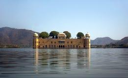 水宫殿在人Sagar湖 斋浦尔,拉贾斯坦,印度 18世纪 库存照片