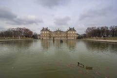 宫殿在卢森堡庭院里,巴黎,法国 库存图片