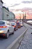 宫殿堤防在圣彼德堡 库存照片