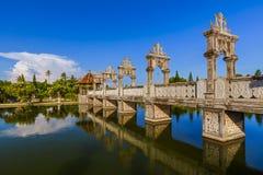 水宫殿塔曼Ujung在巴厘岛印度尼西亚 免版税库存图片