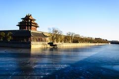 宫殿塔楼在冬天 免版税库存图片