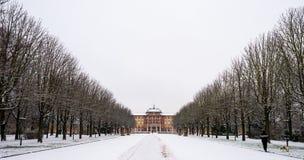 宫殿布鲁萨尔在冬天 免版税库存照片