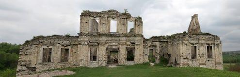 宫殿废墟  图库摄影