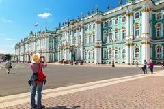 宫殿彼得斯堡俄国圣徒冬天 免版税图库摄影