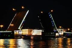 宫殿桥梁。 圣彼德堡,俄国 库存照片