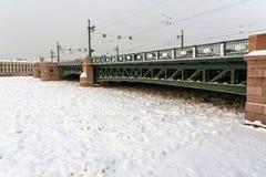 宫殿桥梁圣彼得堡地标 图库摄影