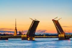 宫殿桥梁明信片视图在圣彼德堡, 库存图片