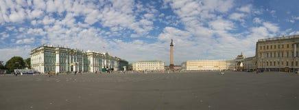 宫殿正方形在圣彼德堡 库存照片