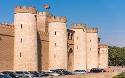 宫殿Aljaferia的看法,建立在11世纪在萨瓦格萨,西班牙 垂直 复制文本的空间 免版税库存照片