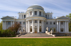 宫殿yelaginsky彼得斯堡俄国的圣徒 图库摄影