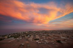 宰海卜是西奈半岛的东南海岸的一个小镇在埃及在晚上 库存图片