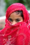 害羞女孩的穆斯林 免版税库存照片