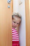 害羞的小女孩 免版税图库摄影