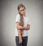 害羞的少年女孩 免版税图库摄影