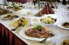 宴会桌食物 免版税库存照片
