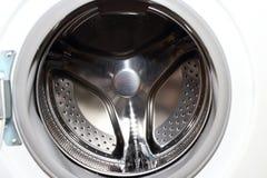 家事的白色洗衣机 免版税库存图片