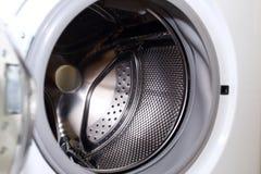 家事的白色洗衣机 库存图片