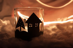 家做了圣诞节蜡烛 免版税库存照片