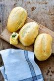 家做了小圆面包 免版税库存照片