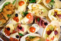 家做了点心小三明治开胃菜 免版税库存图片