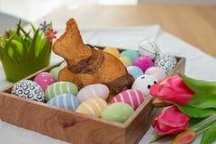 家做复活节兔子结块 免版税库存照片