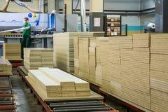 家具工厂生产线 免版税库存照片