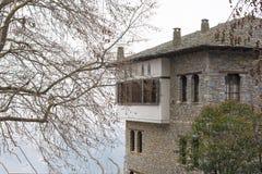 家典型的建筑学由石皮立翁山山区做成 免版税库存图片
