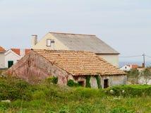 家在海岛的奥利布岛村庄 免版税库存照片