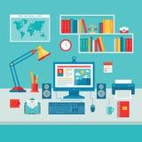家庭企业有计算机显示器的办公室工作场所 皇族释放例证