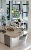 家庭内部:豪华厨房 免版税库存照片