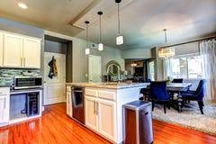 家庭厨房内部 免版税图库摄影