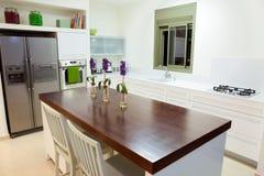 家庭厨房现代新 库存照片