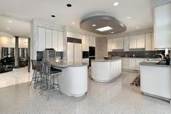 家庭厨房豪华白色 图库摄影