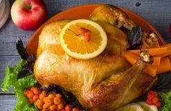 家庭圣诞晚餐的被烘烤的土耳其 免版税图库摄影